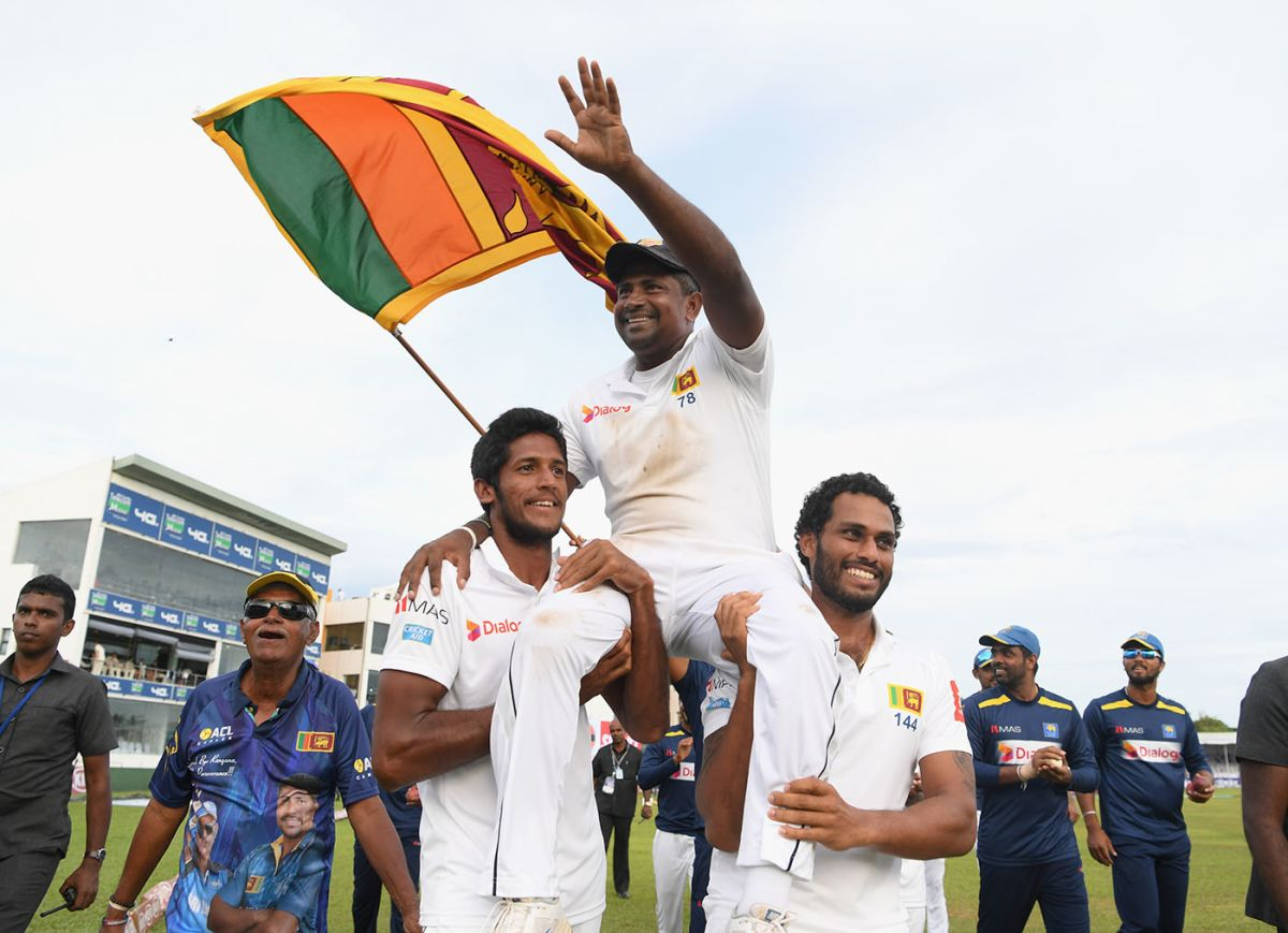 Rangana Herath was chaired around the outfield, Sri Lanka v England, 1st Test, 4th day, Galle, November 9, 2018