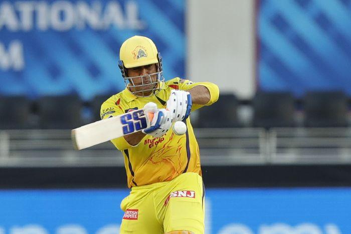 MS Dhoni plays the pull, Chennai Super Kings vs Royal Challengers Bangalore, IPL 2020, Dubai, October 25, 2020