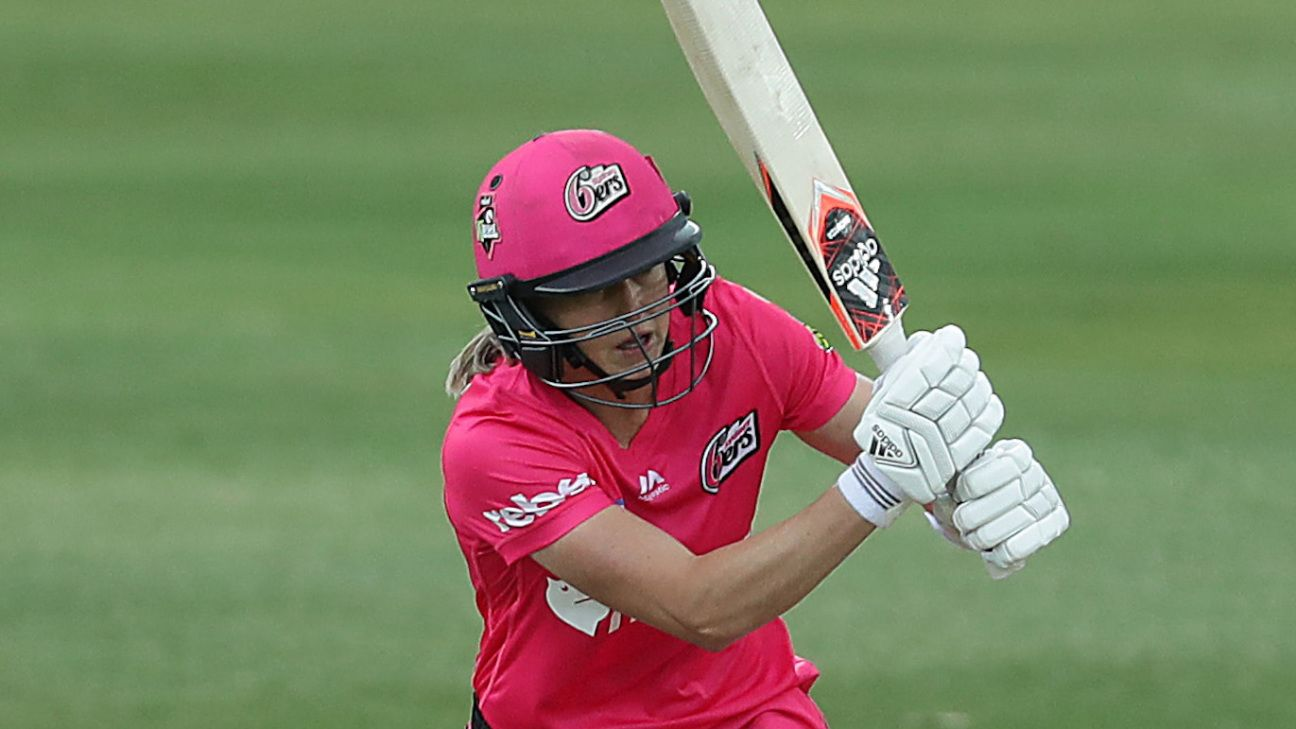 WBBL round-up: Ellyse Perry makes winning return on rain-soaked day