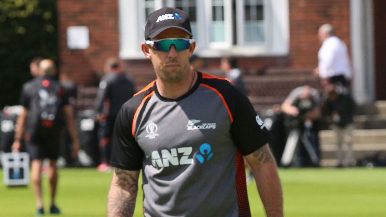Luke Ronchi named New Zealand batting coach