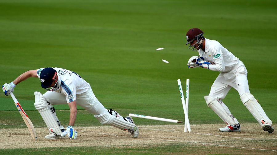 <p>Yorkshire Dip into relegation Catastrophe after follow-on thumbnail